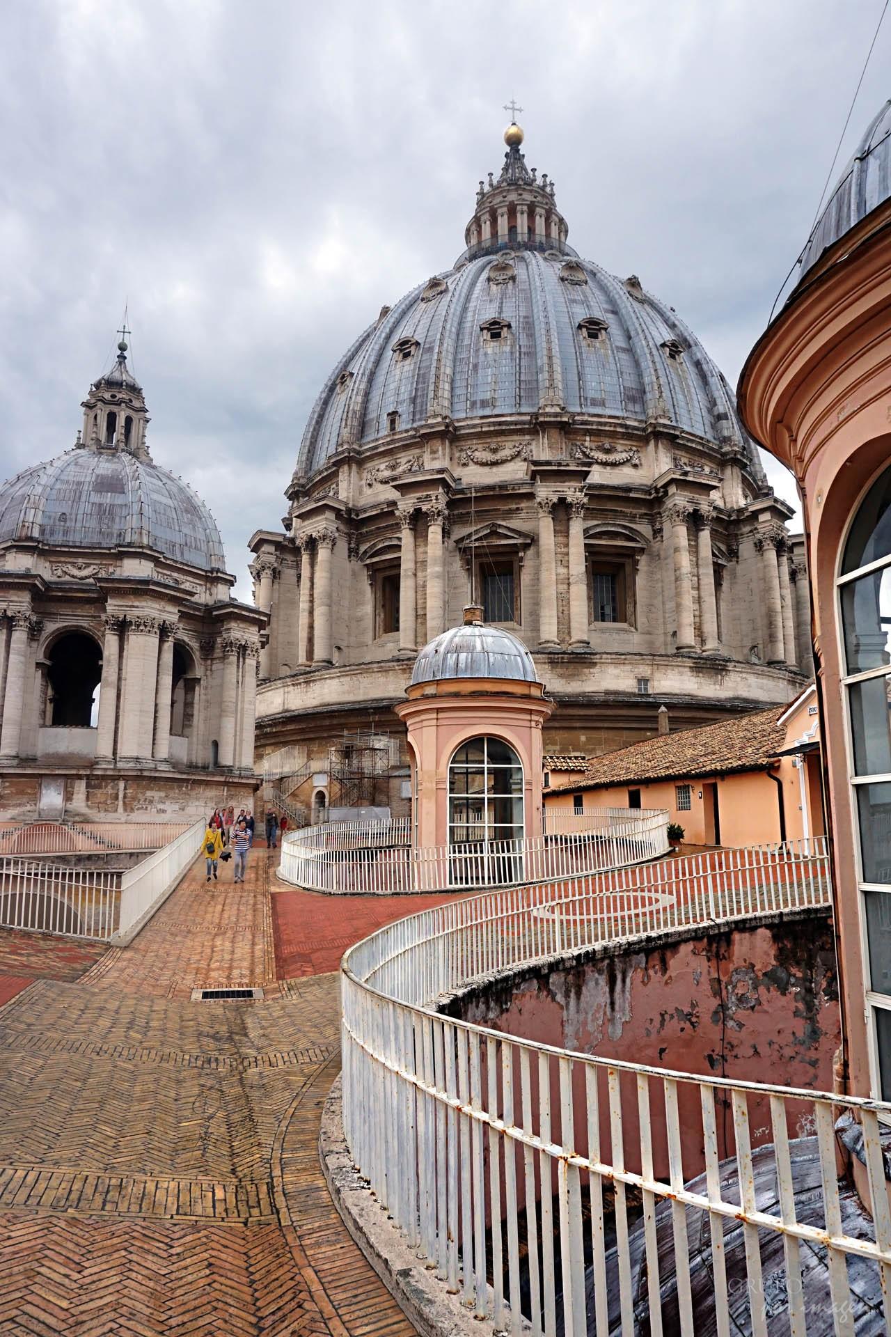 Cúpulas de la Basílica de San Pedro / Efraín David