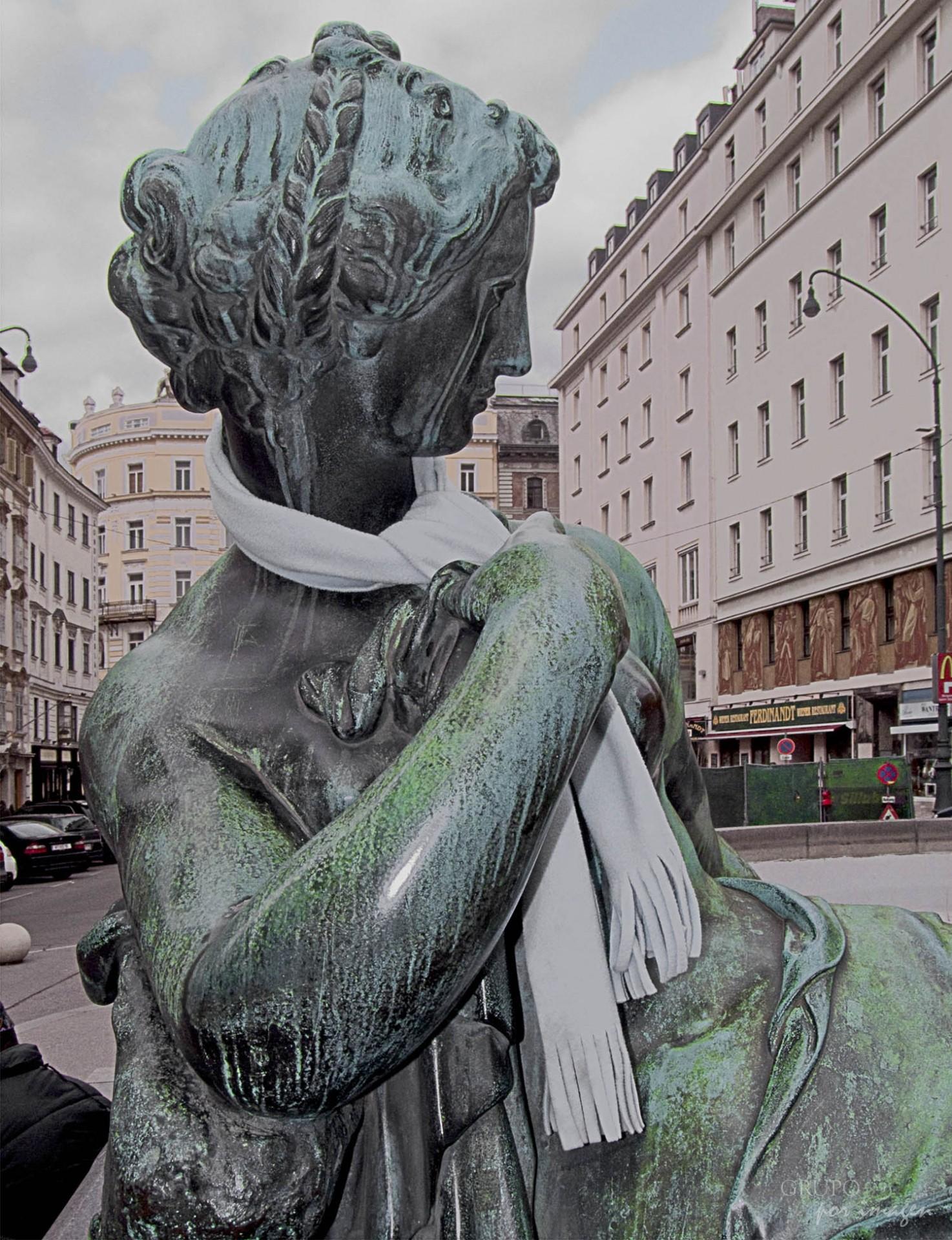 Fuente con estatuas 3 / Alberto Canevaro