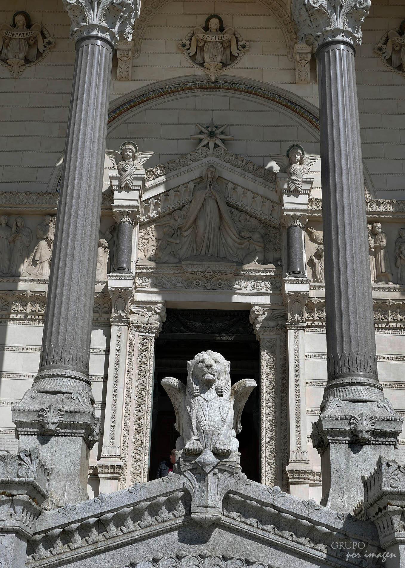 Lyon – Notre Dame de Fourviere / Luis Cutín
